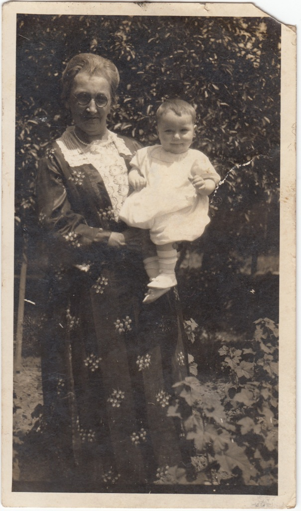 Barbara Ellen (HAAS) WILSON and grandson Roy U. WILSON, circa early 1923.
