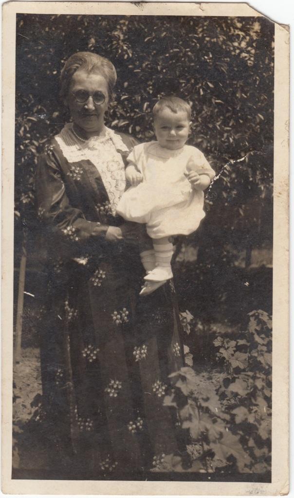 Barbara Ellen (HAAS) WILSON and grandson Roy U. WILSON, circa early 1923.